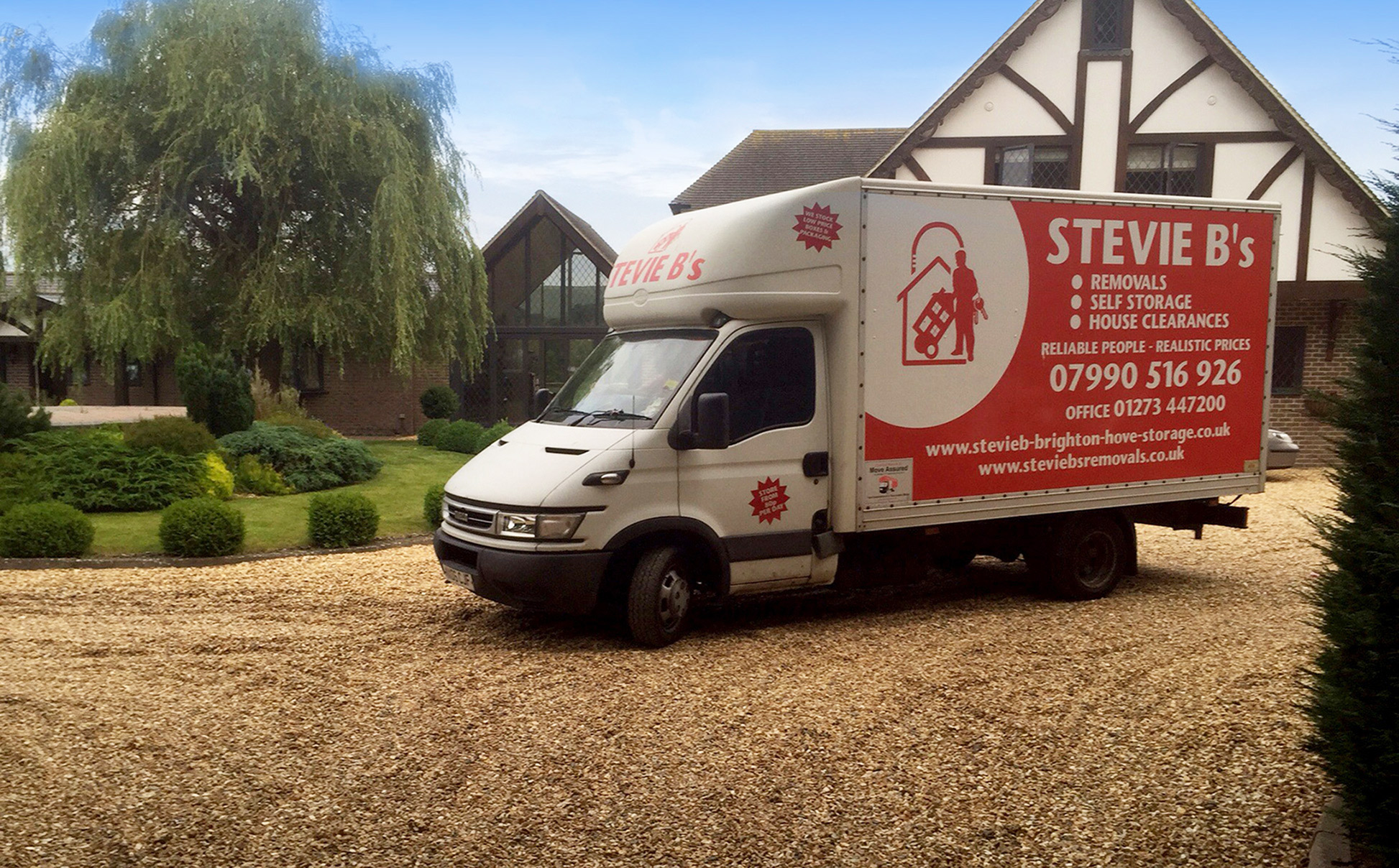 stevie b's brighton removals van ouside brighton country estate house